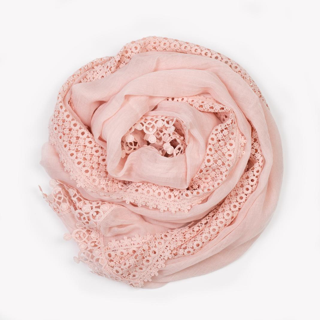 Foulard rose. Foulard blanc Foulard blanc 860149c3b85