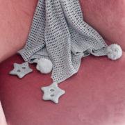Etole pompon et étoile gris